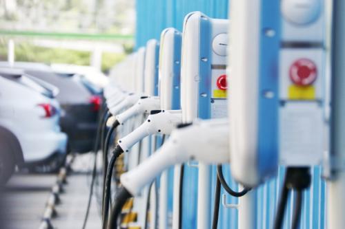 中国充电基础设施累计逾141.8万台