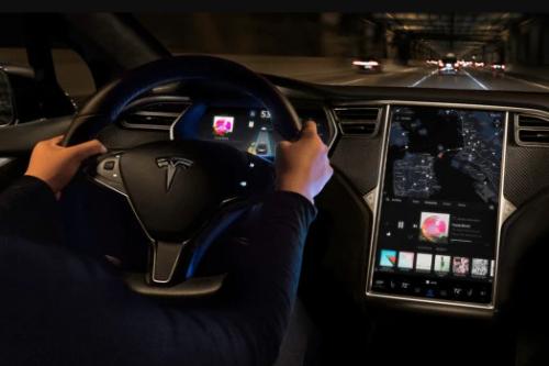 特斯拉终于承认eMMC触摸屏故障 将为车主提供延长保修