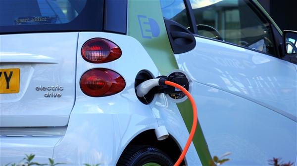 2021年新能源汽车补贴标准在2020年基础上退坡20%