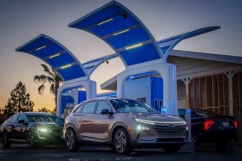 """燃料电池风起2021:一个超越锂电的新能源""""高维战场"""""""