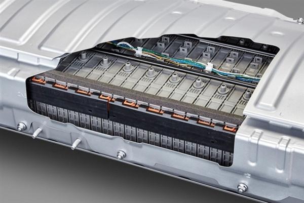 丰田固态电池今年发布:十分钟空电充至满电 续航500公里