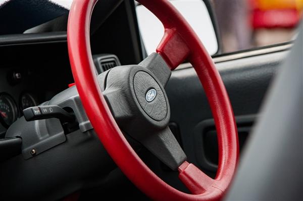 100万辆汽车因缺芯推迟交付:全球汽车业痛失600亿美元