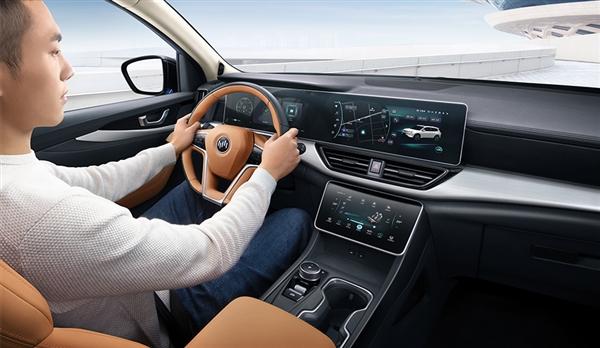 搭全球首款智能無人泊車系統!威馬W6正式上市:16.98萬起