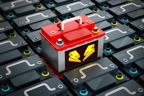 """""""不起火不爆炸""""电池频出,动力电池企业在做大产业还是""""内卷""""?"""