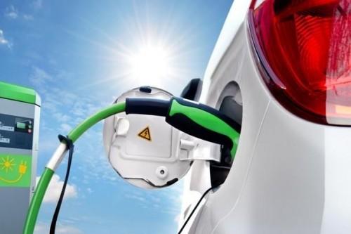 新能源車市巨變,誰正成為弄潮兒?