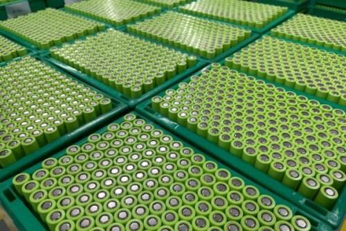 磷酸鐵鋰裝機連續三月超過三元電池